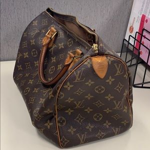Louis Vuitton Bags - Louis Vuitton speedy